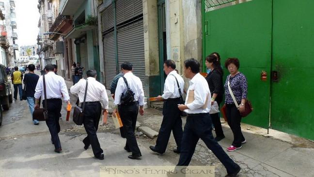 hav 2011 - smoking northkoreans  02